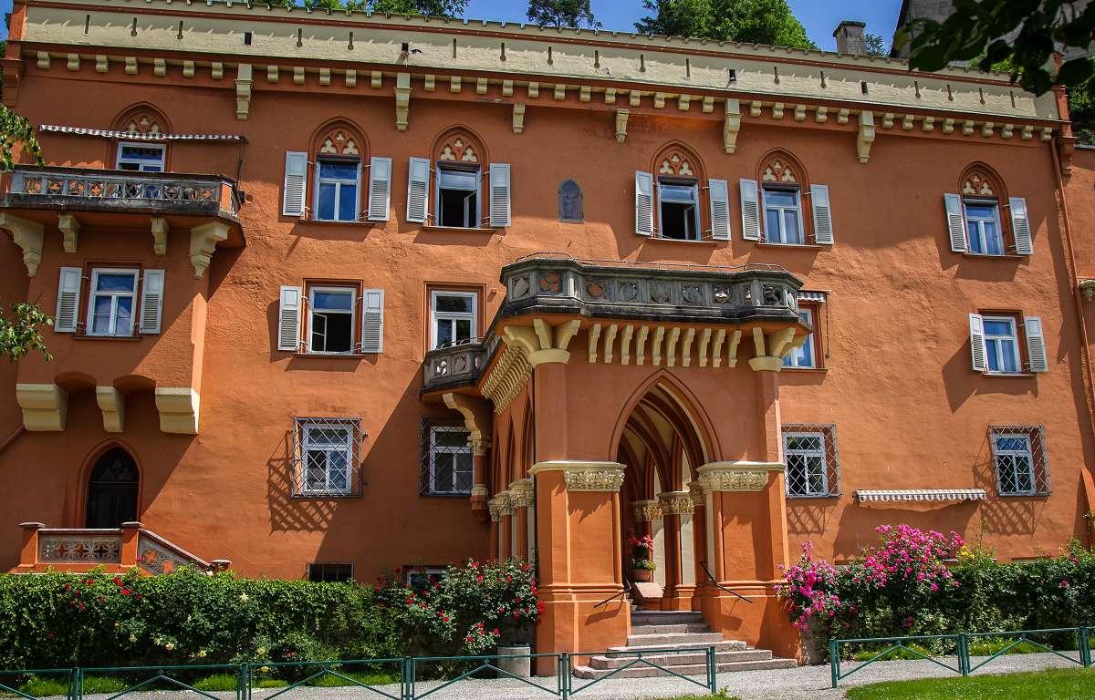 Hauptgebäude Schule Schloss Stein